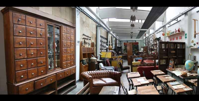 Arredamento vintage milano anche la laccatura di mobili for Mobili gratis a milano